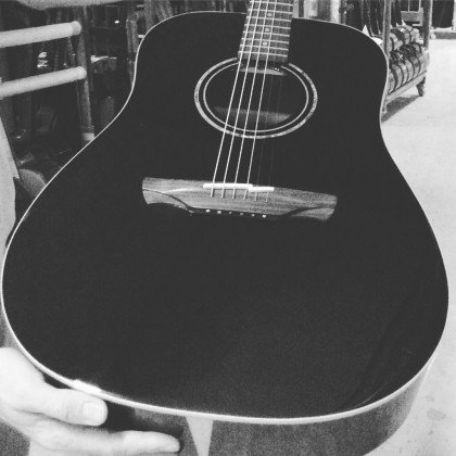 Tapping on the acoustic guitar