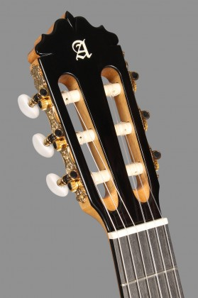 Alhambra Guitars makes the difference